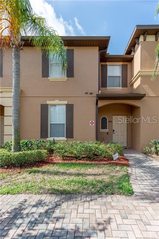 4020 Calabria Avenue, Davenport, FL 33897 (MLS #S5019369) :: Bridge Realty Group
