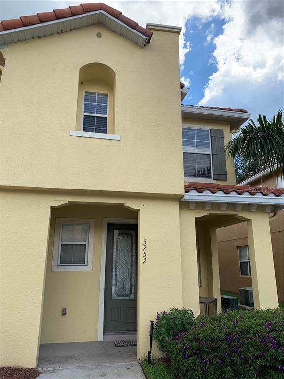 5252 Paradise Cay Circle, Kissimmee, FL 34746 (MLS #S5022579) :: Alpha Equity Team