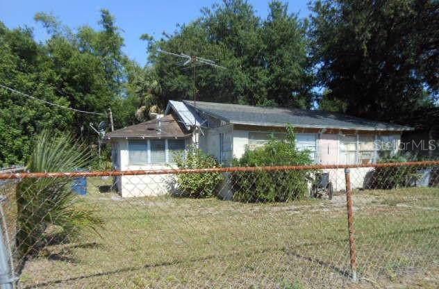 1233 Fairfax Street NE, Winter Haven, FL 33881 (MLS #S5022983) :: Armel Real Estate