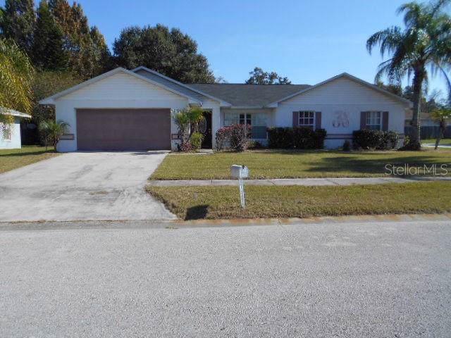 1204 Oak Pointe Place, Plant City, FL 33563 (MLS #S5027621) :: The Duncan Duo Team