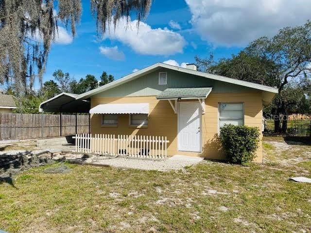1916 Fairfax Court NE, Winter Haven, FL 33881 (MLS #S5030477) :: Sarasota Home Specialists