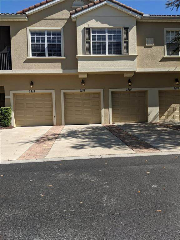 2817 Oakwater Drive, Kissimmee, FL 34747 (MLS #S5032337) :: Gate Arty & the Group - Keller Williams Realty Smart
