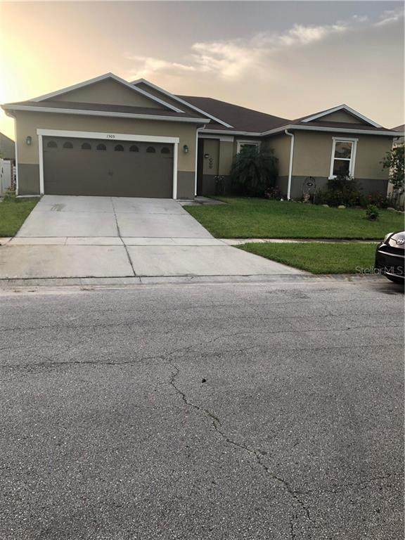 1505 Angler Avenue, Kissimmee, FL 34746 (MLS #S5036232) :: EXIT King Realty