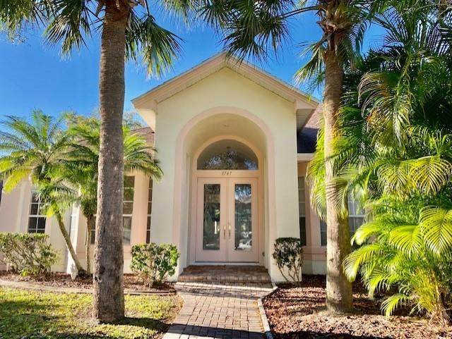 3747 Spear Point Drive, Orlando, FL 32837 (MLS #S5047481) :: Delta Realty, Int'l.