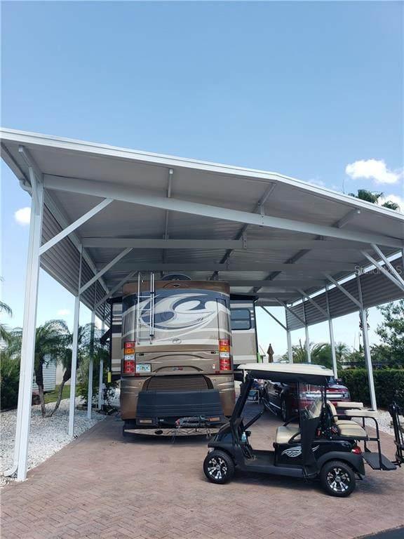 2121 St George Drive, Davenport, FL 33837 (MLS #S5049252) :: Armel Real Estate