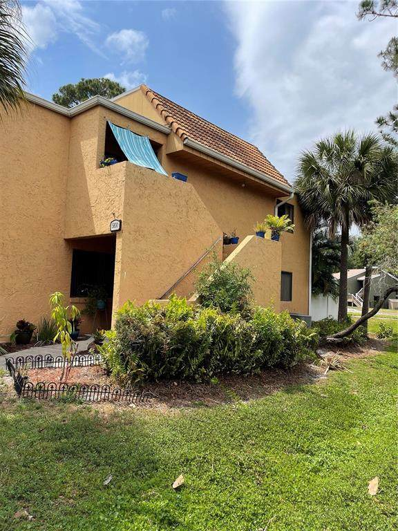 5830 Windhover Drive #830, Orlando, FL 32819 (MLS #S5049510) :: Coldwell Banker Vanguard Realty