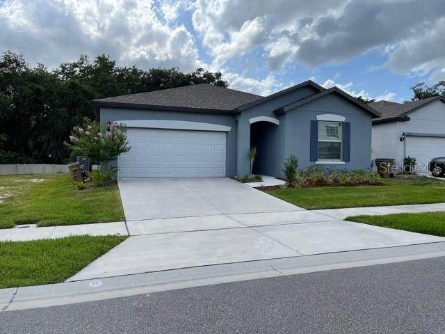2712 E Lake Pointe Drive, Kissimmee, FL 34744 (MLS #S5050691) :: Team Borham at Keller Williams Realty