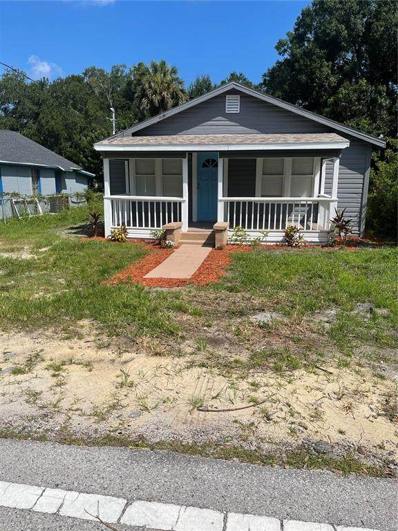 1504 W 13TH Place, Sanford, FL 32771 (MLS #S5056079) :: The Curlings Group