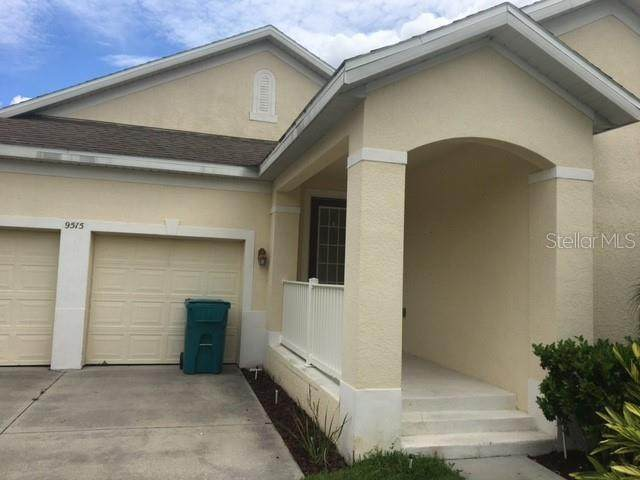 9515 Fenrose Terrace, Orlando, FL 32827 (MLS #S5056600) :: Realty Executives