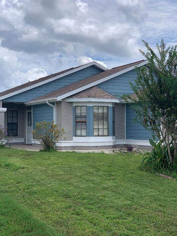 207 Olivewood Court, Kissimmee, FL 34743 (MLS #S5056673) :: Godwin Realty Group