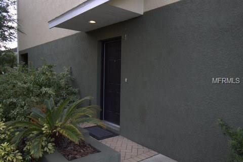 10144 Arbor Run Drive #94, Tampa, FL 33647 (MLS #T2918733) :: Premium Properties Real Estate Services