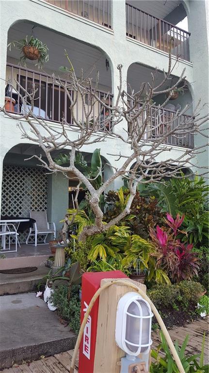 903 Bahia Del Sol Drive, Ruskin, FL 33570 (MLS #T2923535) :: Delgado Home Team at Keller Williams