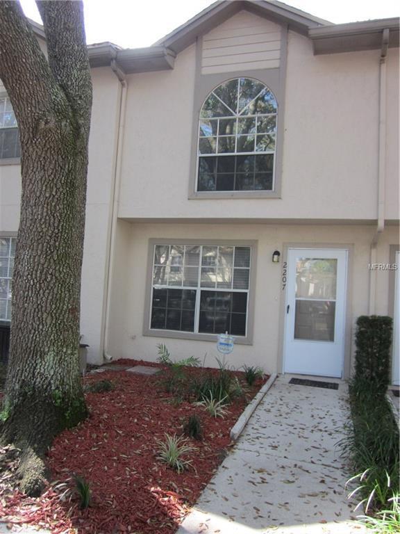 2207 Fletchers Point Circle, Tampa, FL 33613 (MLS #T2930044) :: KELLER WILLIAMS CLASSIC VI