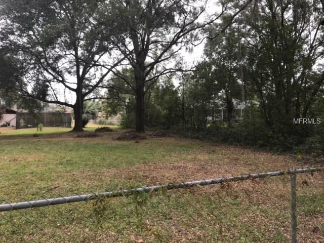 Westview Ave, Dade City, FL 33525 (MLS #T2935027) :: The Duncan Duo Team