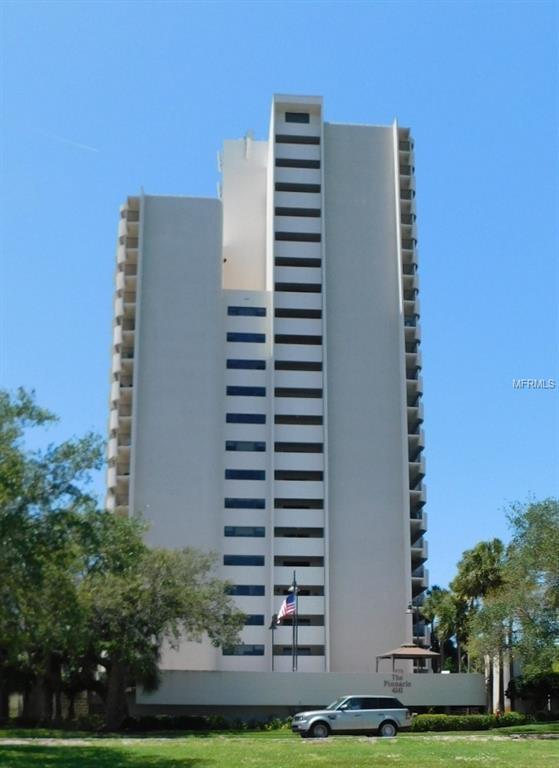 4141 Bayshore Boulevard #1104, Tampa, FL 33611 (MLS #T3101574) :: The Duncan Duo Team