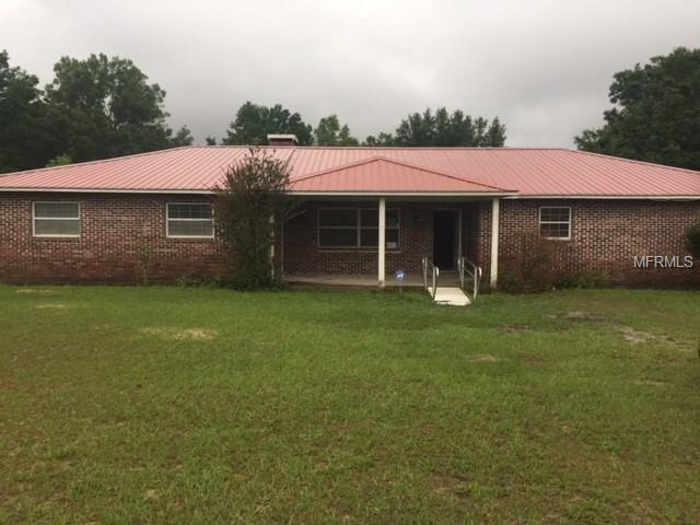 41200 Merrick Road, Zephyrhills, FL 33540 (MLS #T3102210) :: KELLER WILLIAMS CLASSIC VI
