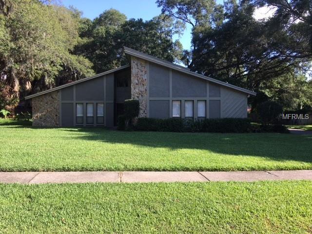 2506 Regal Oaks Lane, Lutz, FL 33559 (MLS #T3103218) :: Griffin Group