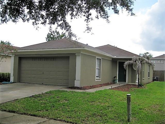 2620 Lansbury Place, Seffner, FL 33584 (MLS #T3108295) :: Arruda Family Real Estate Team
