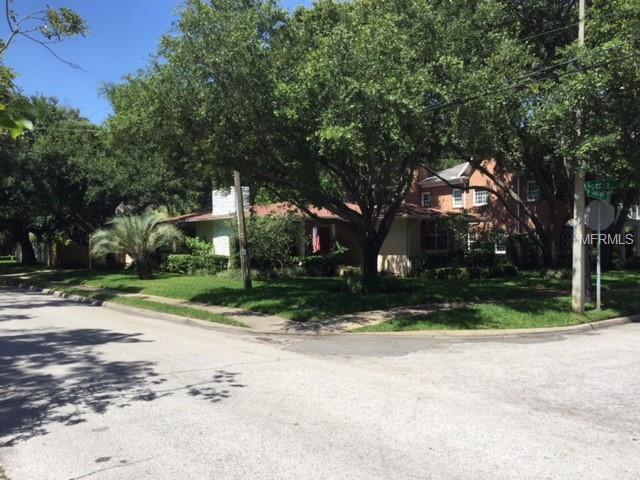 3129 W Oaklyn Avenue, Tampa, FL 33609 (MLS #T3115738) :: The Lockhart Team
