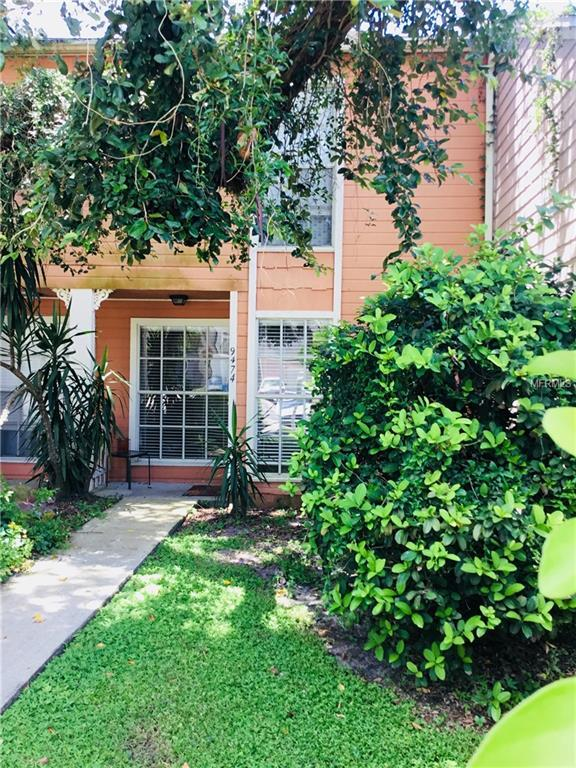 9474 Forest Hills Place, Tampa, FL 33612 (MLS #T3124437) :: The Duncan Duo Team