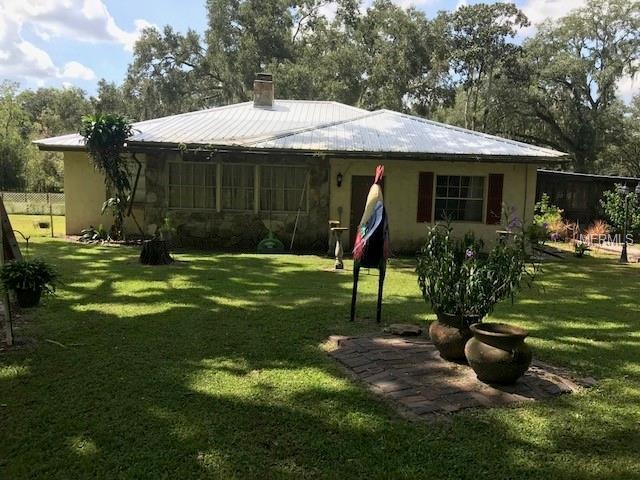 11207 Sligh Avenue, Seffner, FL 33584 (MLS #T3131541) :: Remax Alliance