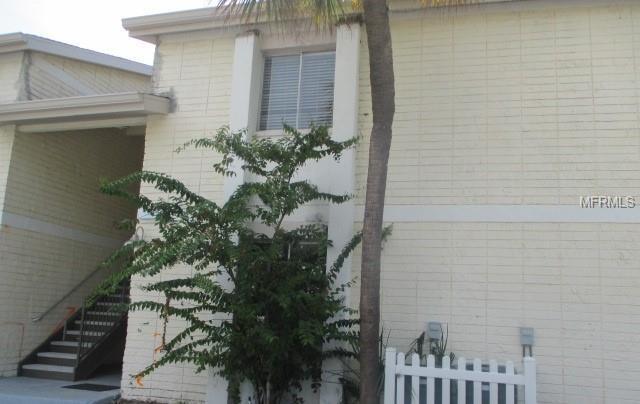 7704 Palmera Pointe Circle #101, Tampa, FL 33615 (MLS #T3132436) :: Zarghami Group