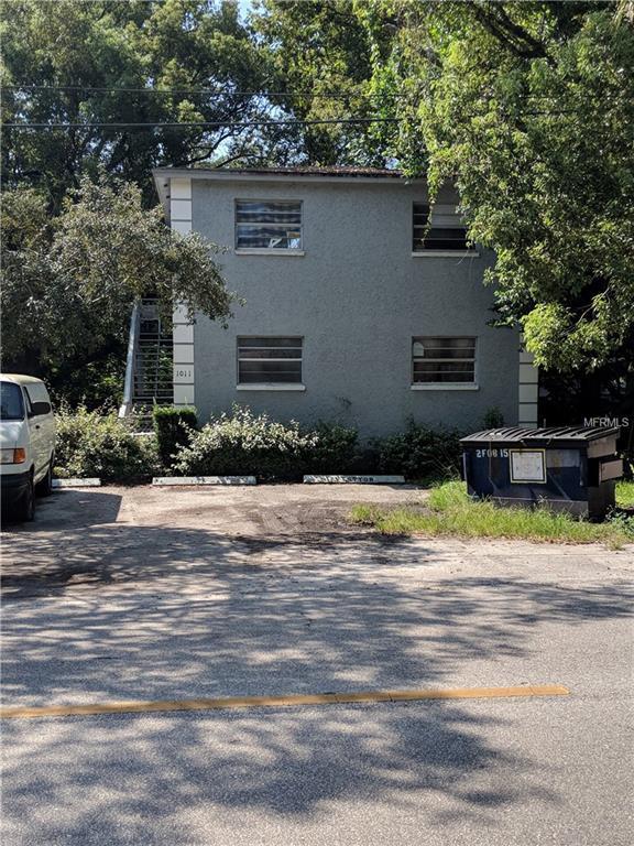 1011 E Bougainvillea Avenue, Tampa, FL 33612 (MLS #T3133435) :: The Duncan Duo Team