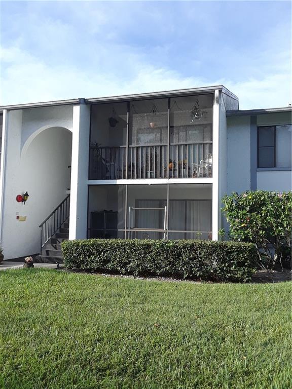 1261 Pine Ridge Circle W H2, Tarpon Springs, FL 34688 (MLS #T3134915) :: The Duncan Duo Team