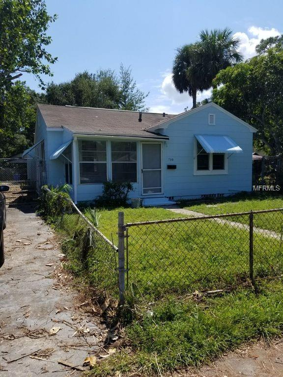 750 19TH Avenue S, St Petersburg, FL 33705 (MLS #T3138135) :: Medway Realty