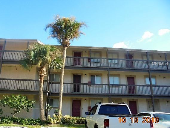 6312 Newtown Circle 12C2, Tampa, FL 33615 (MLS #T3139009) :: RE/MAX Realtec Group
