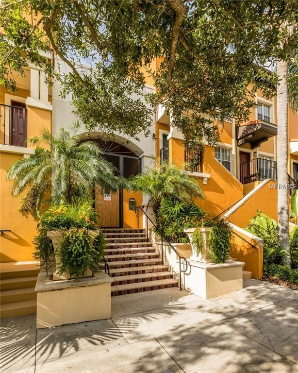 200 4TH Avenue S #208, St Petersburg, FL 33701 (MLS #T3146085) :: Andrew Cherry & Company