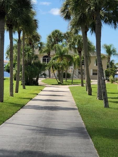 1796 Bayshore Drive, Englewood, FL 34223 (MLS #T3146263) :: Team Pepka