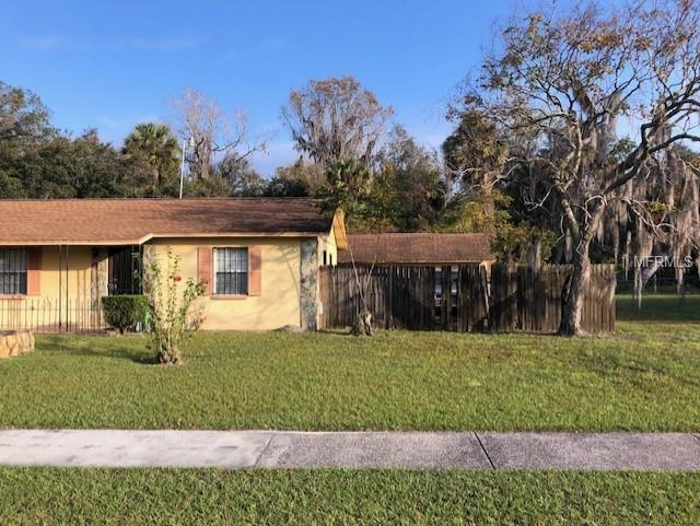 2908 N Willow Drive, Plant City, FL 33566 (MLS #T3158158) :: Welcome Home Florida Team