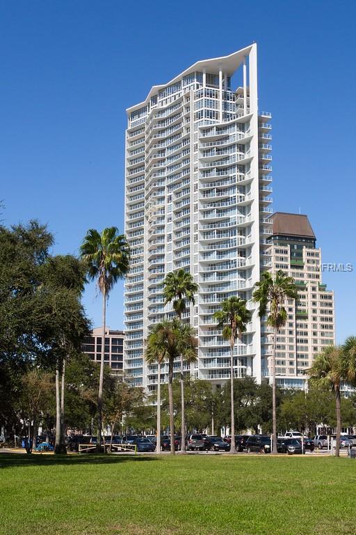 145 2ND Avenue S #613, St Petersburg, FL 33701 (MLS #T3158488) :: Lockhart & Walseth Team, Realtors