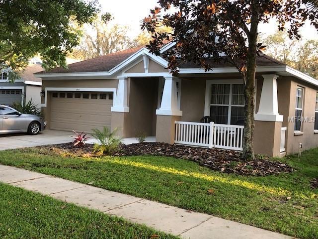 6103 Gannetdale Drive, Lithia, FL 33547 (MLS #T3163792) :: Team Bohannon Keller Williams, Tampa Properties