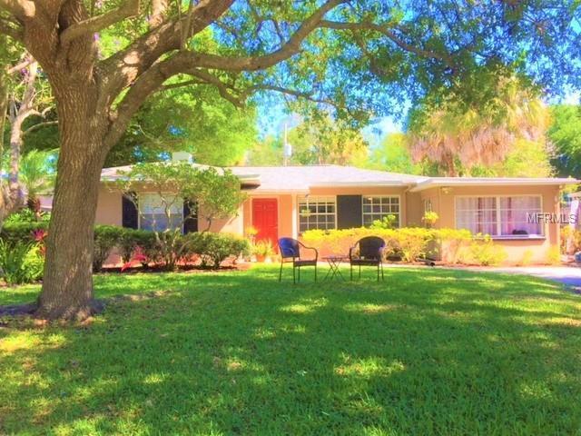 4007 W Mckay Avenue, Tampa, FL 33609 (MLS #T3169994) :: Andrew Cherry & Company