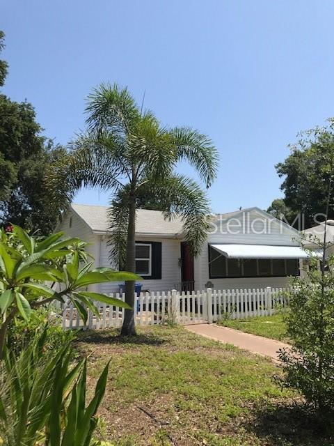 605 29TH Avenue N, St Petersburg, FL 33704 (MLS #T3174358) :: Bridge Realty Group