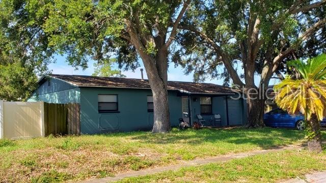 8568 95TH Terrace N, Largo, FL 33777 (MLS #T3181923) :: Griffin Group