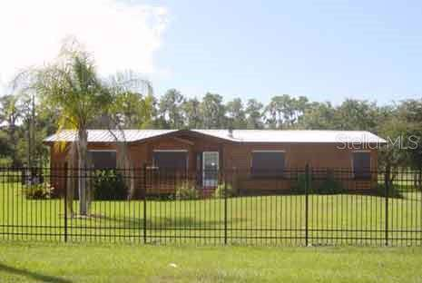 311 N Forbes Road, Plant City, FL 33566 (MLS #T3191381) :: The Duncan Duo Team