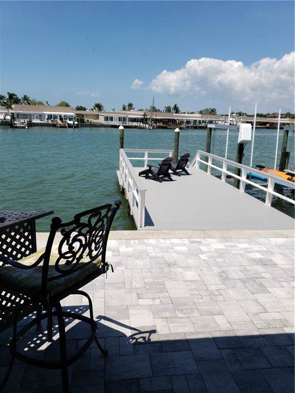 485 Boca Ciega Point Boulevard S, St Petersburg, FL 33708 (MLS #T3193531) :: Team 54