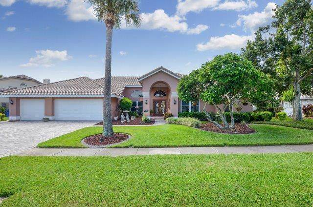4918 E Longboat Boulevard, Tampa, FL 33615 (MLS #T3194719) :: Kendrick Realty Inc