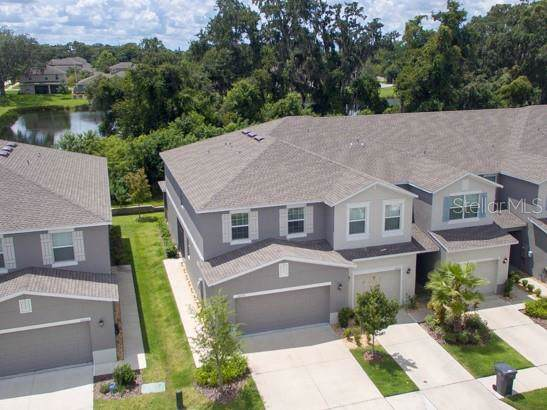 10559 Lake Montauk Drive, Riverview, FL 33578 (MLS #T3195452) :: The Duncan Duo Team