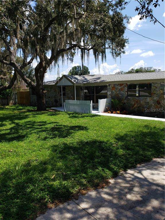 12306 Clear Lake Drive, New Port Richey, FL 34654 (MLS #T3199298) :: The Nathan Bangs Group