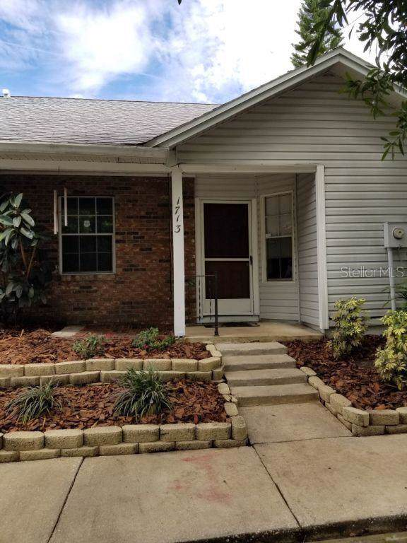 1713 Rivers Edge Drive, Orlando, FL 32825 (MLS #T3199411) :: Lock & Key Realty