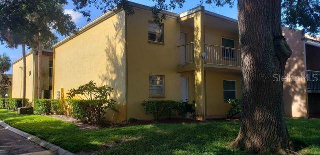 2820 Somerset Park Drive #202, Tampa, FL 33613 (MLS #T3199447) :: Griffin Group