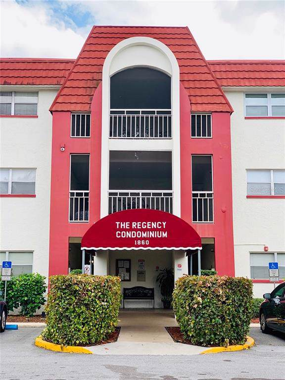 1860 Massachusetts Avenue NE #203, St Petersburg, FL 33703 (MLS #T3199640) :: Griffin Group