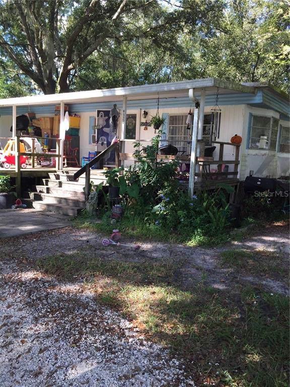 9320 Tom Moore Road, Lakeland, FL 33810 (MLS #T3203989) :: Team TLC | Mihara & Associates