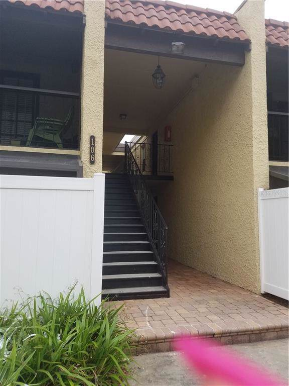 106 Alameda Court #240, Tampa, FL 33609 (MLS #T3204213) :: The Light Team