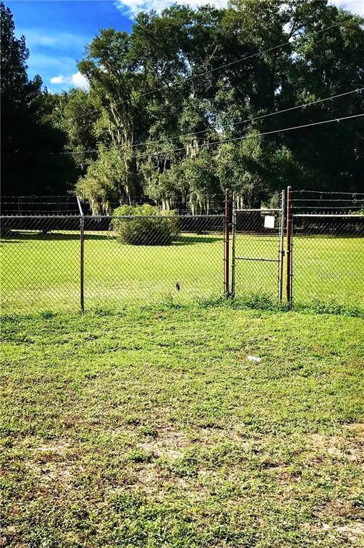 2603 S Kingsway Road, Seffner, FL 33584 (MLS #T3206110) :: Delgado Home Team at Keller Williams