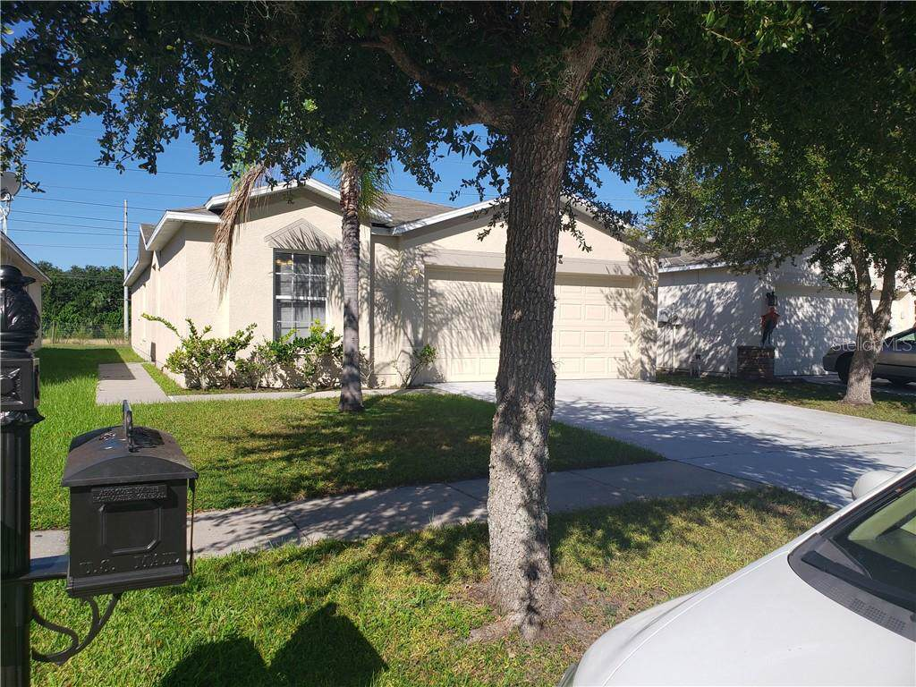 7940 Carriage Pointe Drive - Photo 1